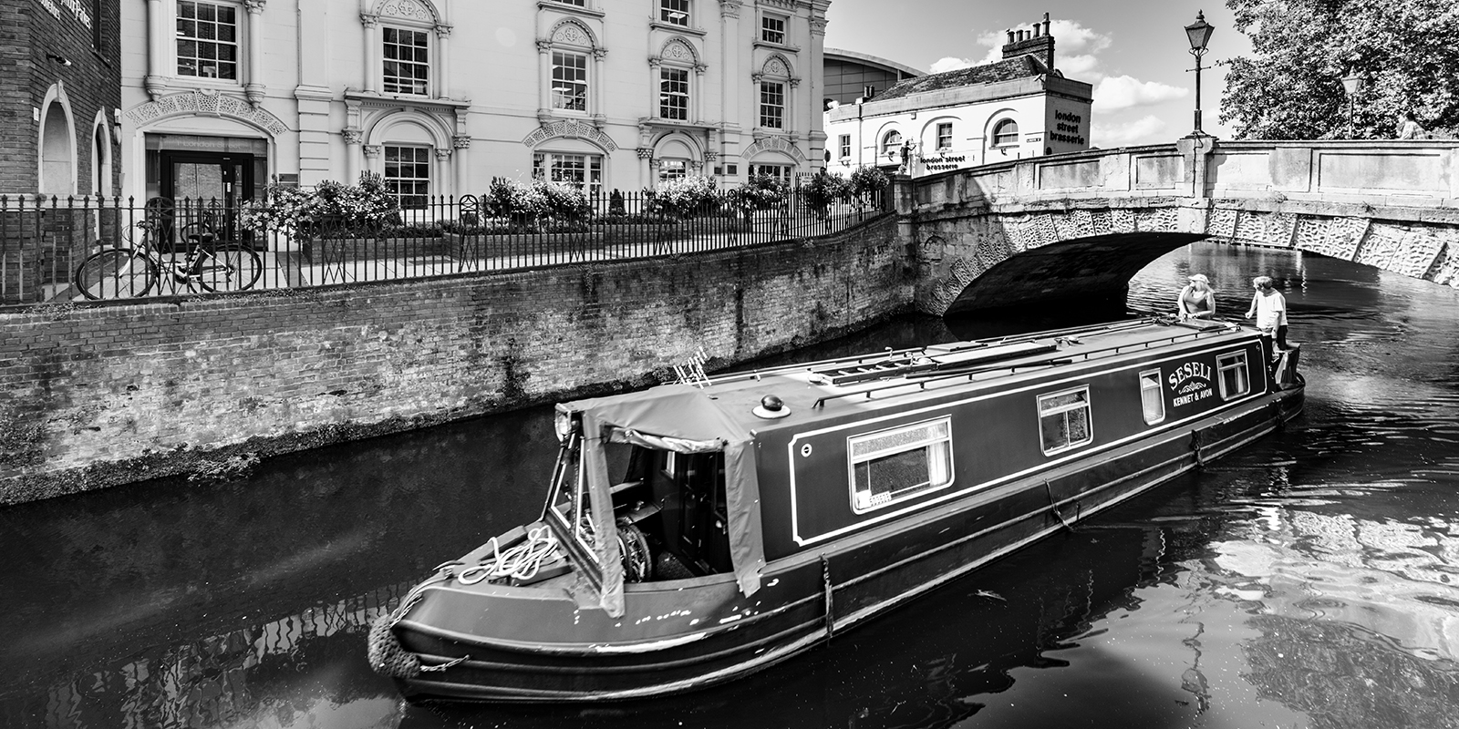 TCN area boat on the river in Reading